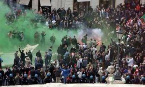 Barcaccia-Brunnen und Hooligans