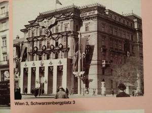 Propaganda-Architektur (Schwarzenbergplatz)