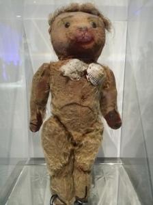 Nana, Gaultiers Teddybär, dem er bereits als Kind seine ersten Modelle verpaßte