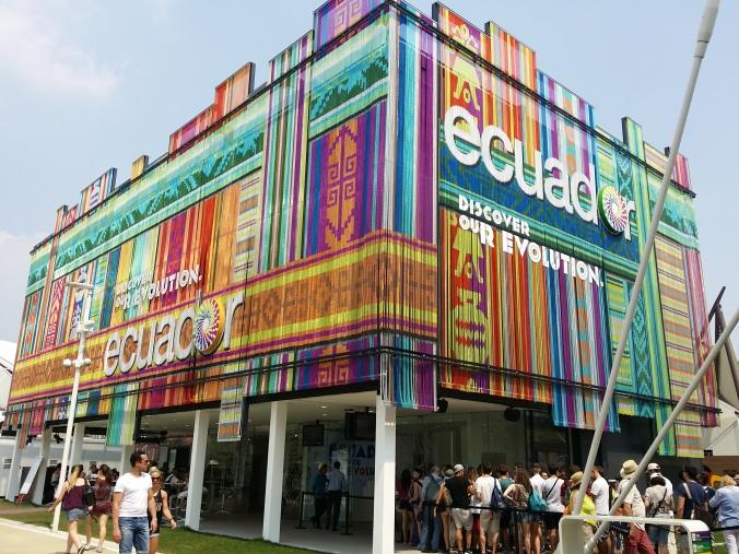 Ecuador überzeugt mit einem kanllbunten Pavillon