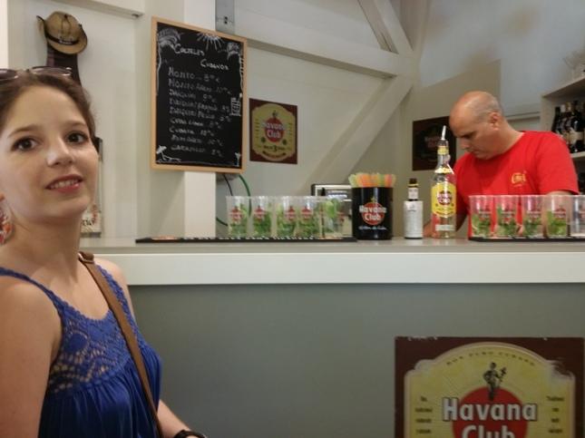 Kuba macht es gut: Der Auftritt besteht nur aus einer Rum-Bar!