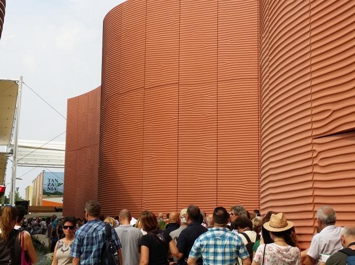 Der Pavillon der V.A.E. (Norman Foster) kann schon etwas.