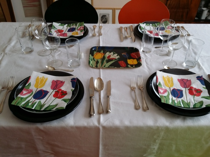Tischdekoration mit Josef Frank