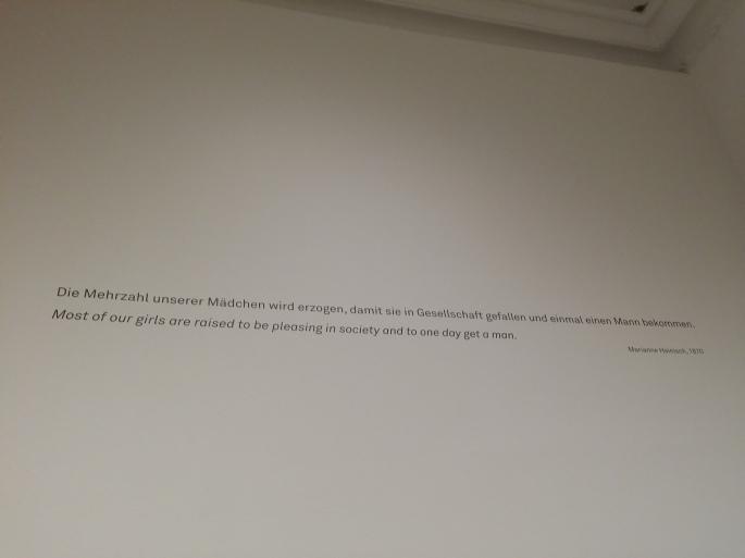 """""""Die Mehrzahl unserer Mädchen wird erzogen, damit sie in Gesellschaft gefallen und einmal einen Mann bekommen"""" (Marianne hainisch, Gründerin der österreichischen Frauenbewegung, 1870)"""