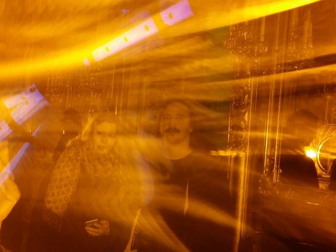 """""""Eye see you"""" (2006) taucht das Goldkabinett in gelbes Licht"""