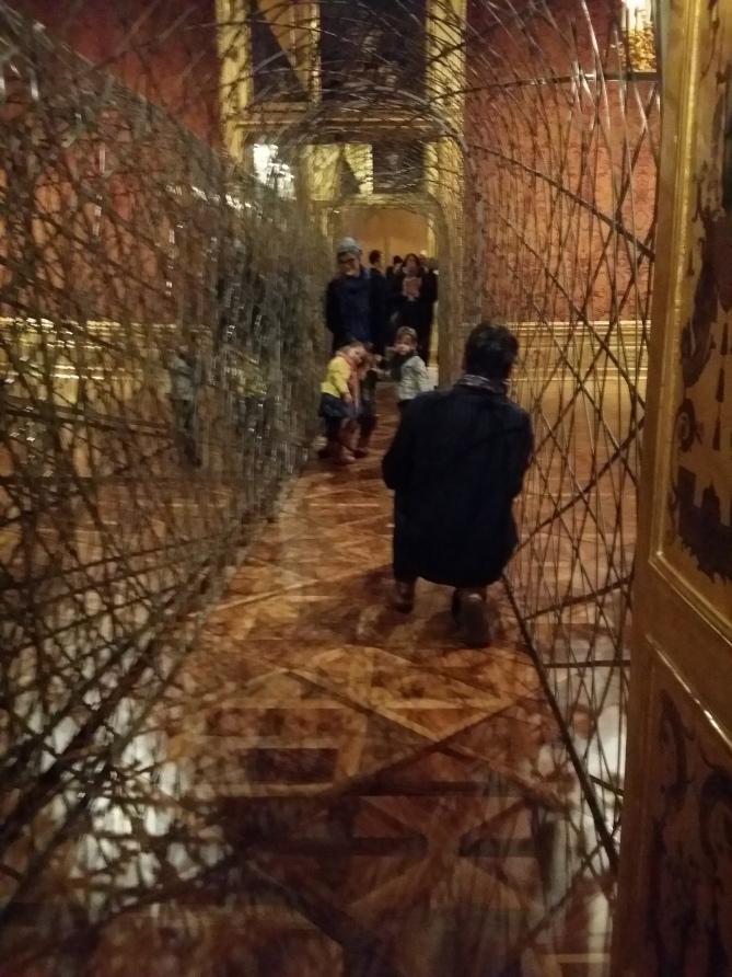 """Kinder haben eine Hetz im """"Fivefold tunnel"""" (2000)"""