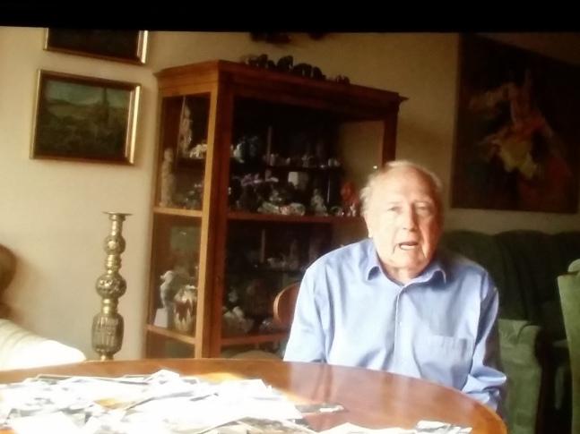 Erich Rietenauer inmitten seiner Erinnerungen (Filmausschnitt)