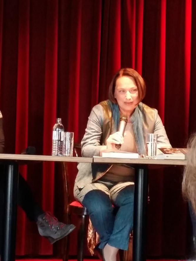 Die Autorin Evelyn Deutsch-Schreiner