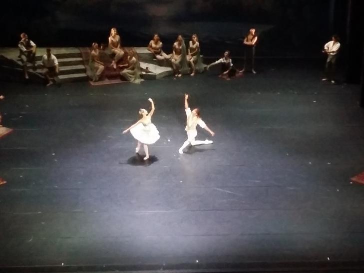 Das Liebespaar Conrad und Médora (Robert Gabdullin und Maria Yakovleva)