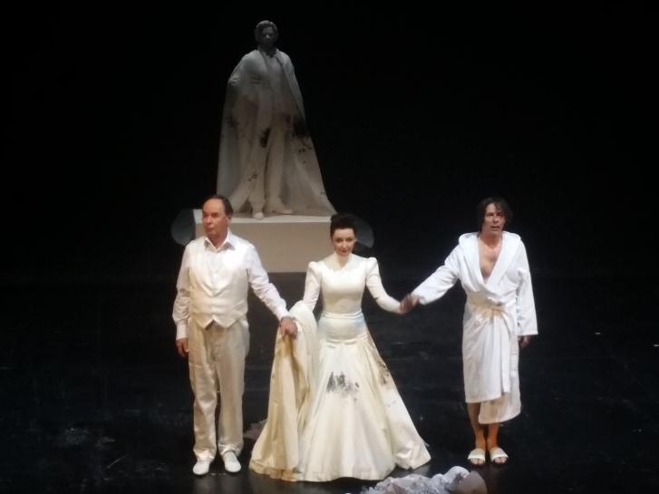 v.l.n.r.: Johann Adam Oest, Regina Fritsch, Markus Meyer