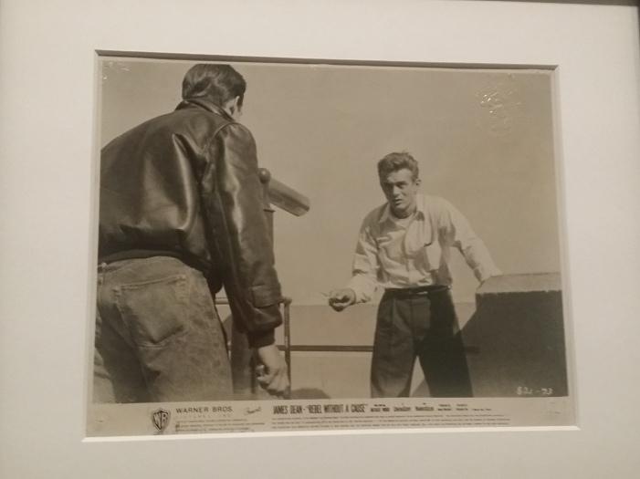 """""""... denn sie wissen nicht, was sie tun"""" (Regie: Nicholas Ray, 1955), Foto: Floyd McCarthy (zugeschrieben)"""